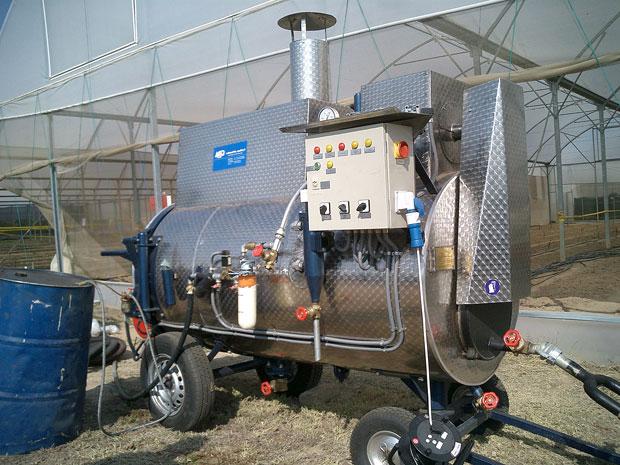 Mobiler Hochleistungs-Dampfkessel der Firma MSD AG, D-Durbach, mit 200°C Heißdampf im Einsatz